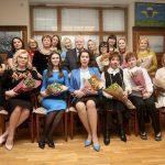 8 марта С.М. Миронов поздравил женщин-партнеров с праздником весны